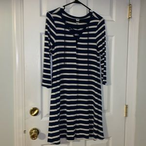Old Navy white/navy striped dress. Size S.